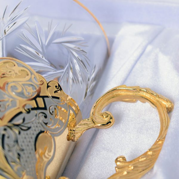 Crystal mug with gold handle