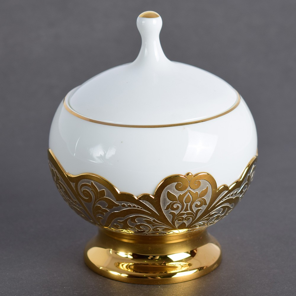 Porcelain sugar bowl in the UAE