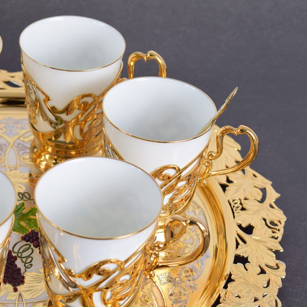 Porcelain coffee set in the UAE