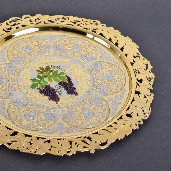 Golden tray with grapes - a gift option for mother's day in the UAE