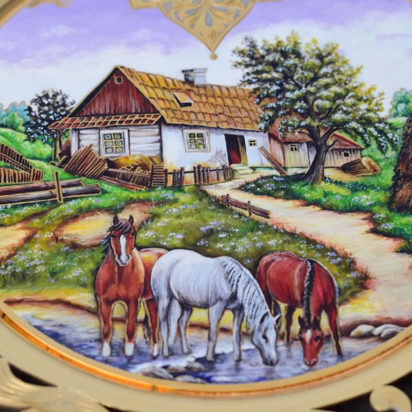 Artistic drawing on a luxury dish