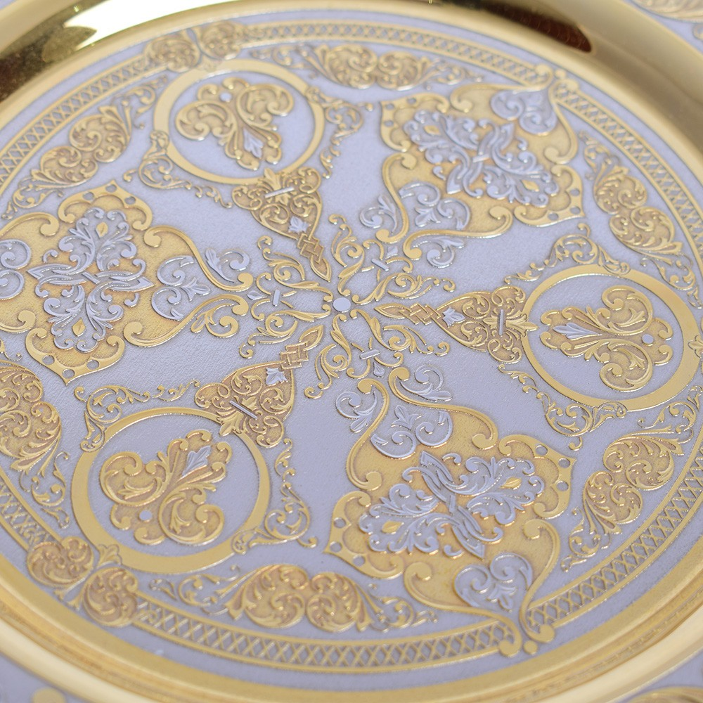 Exquisite ornament of palace utensils