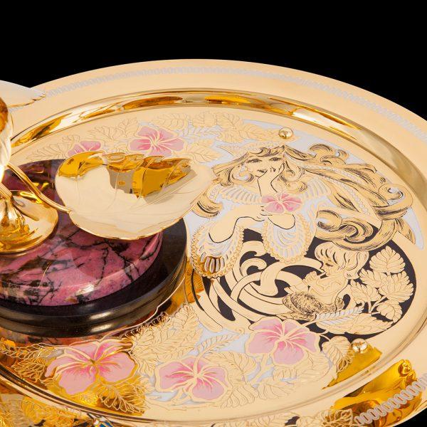 Gold plate art decoration