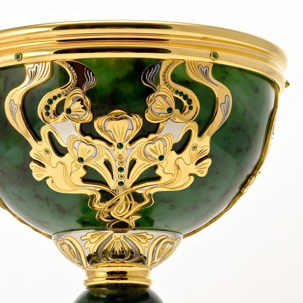 Gold jade cup decoration
