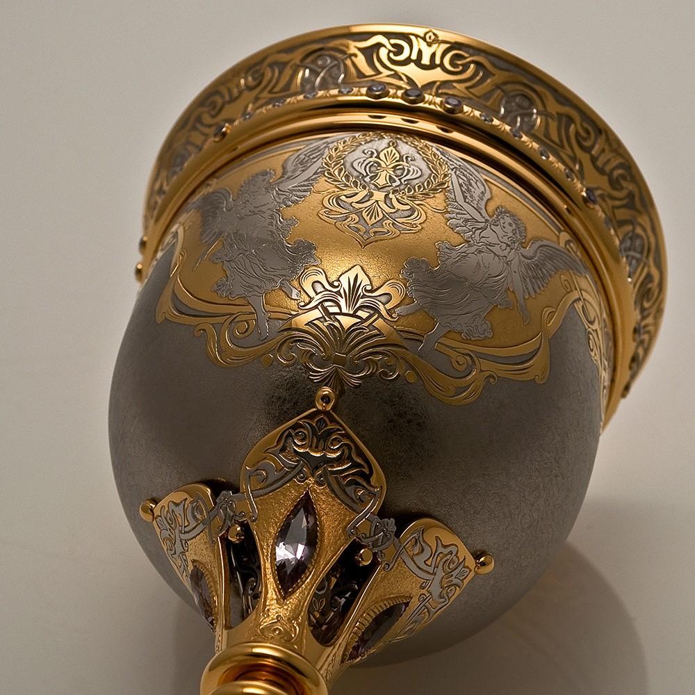Gold goblet made of precious metal