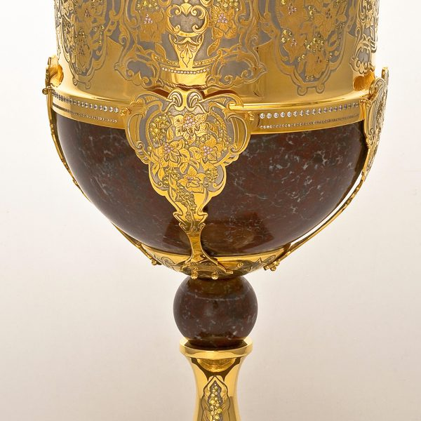 Dubai Goblet Gold Cup Decorated with Jewelry Stones