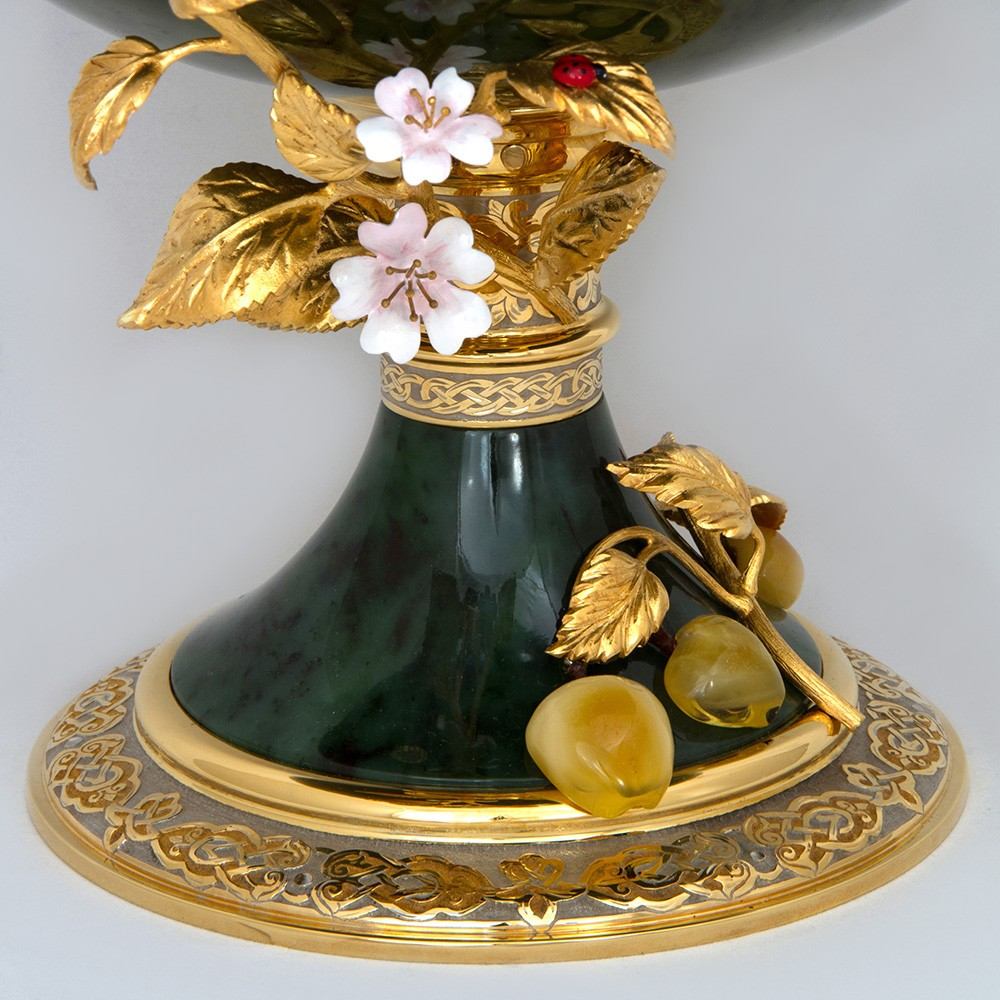 Jade vase decorated with delicate flowers