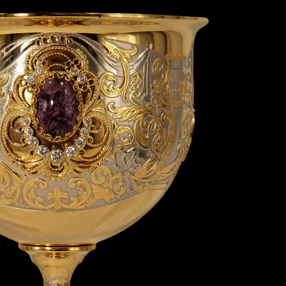 Gold goblet decorated with crystals
