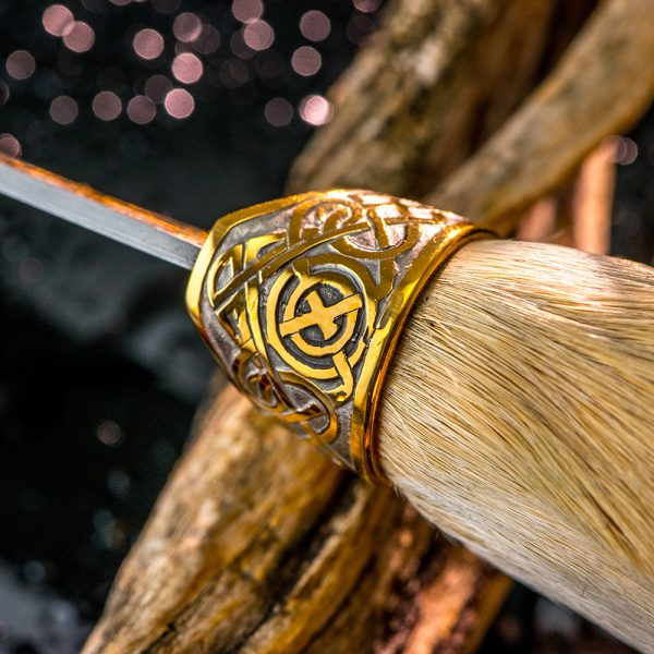 Garda knife circular ornament