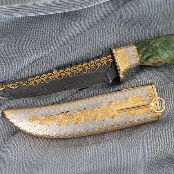 An example of souvenir weapons, a handmade knife. This is an option of a gift to a man that will definitely not remain idle.
