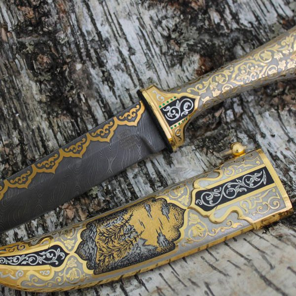 Wolf knife decorated with oriental ornaments