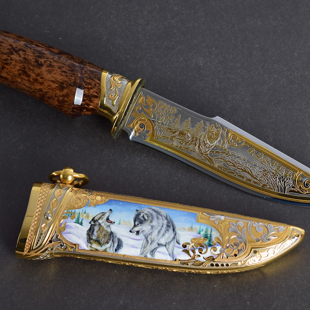 Wild wolves in winter - art decoration of the scabbard. The luxurious work of Russian gunsmiths
