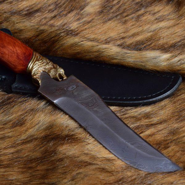 Stylish Damascus Knife