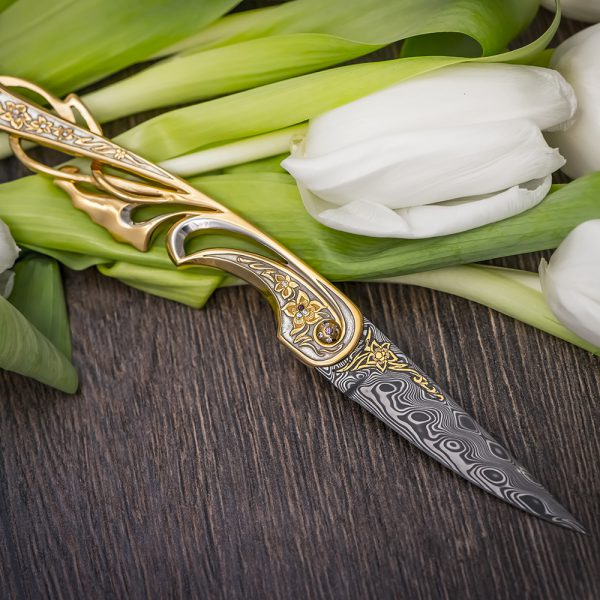 Beautiful ladies knife by Tatyana Sultanova