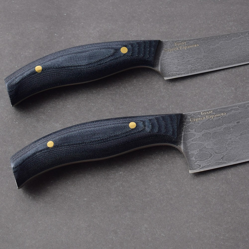 Knife handle from mikarta on two buttons. A series of fultangs from the Russian gunsmith and metallurgist Sergei Baranov.