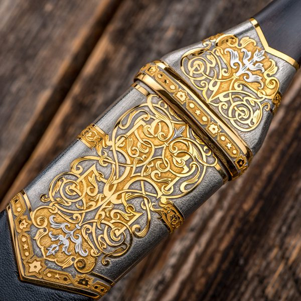 Refined decoration of a premium dagger.