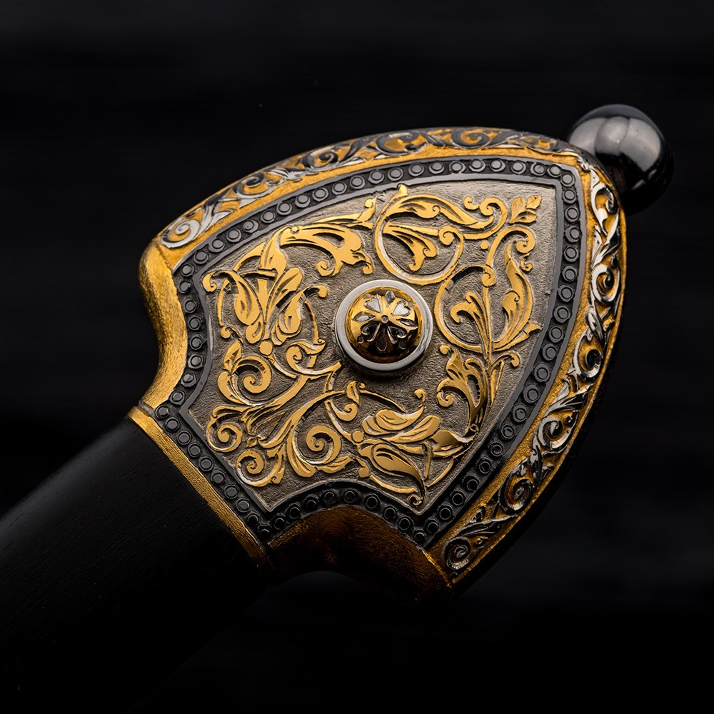 Dagger hilt - a work of art made of noble materials (Gold, Rhodium, natural wood)
