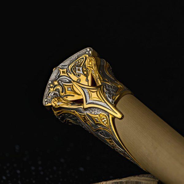 Exquisite Dagger Hole Engraving