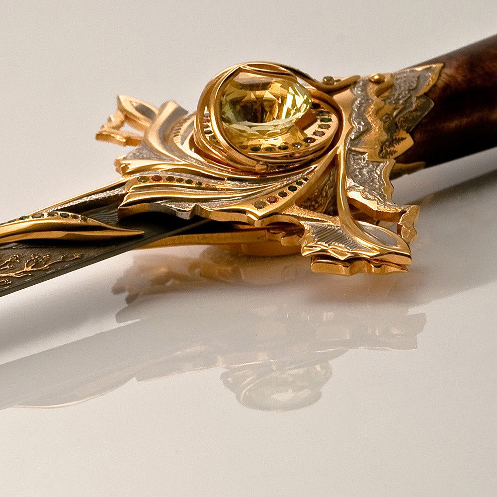 Large Alpanite Dagger