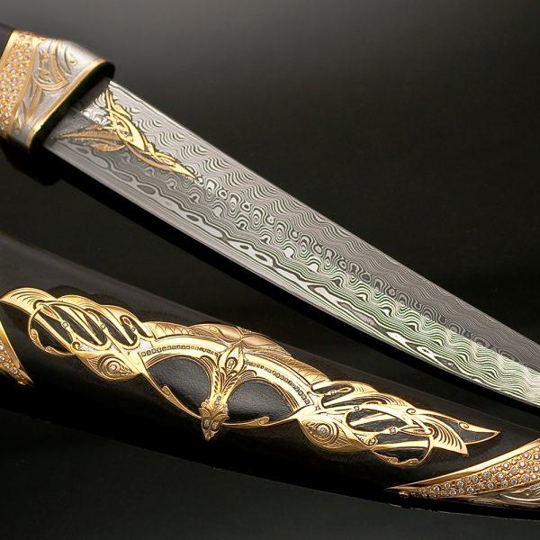 Art Damascus. A bewitching pattern of interwoven metal.