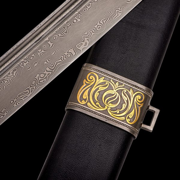 Damascus blade and leather scabbard