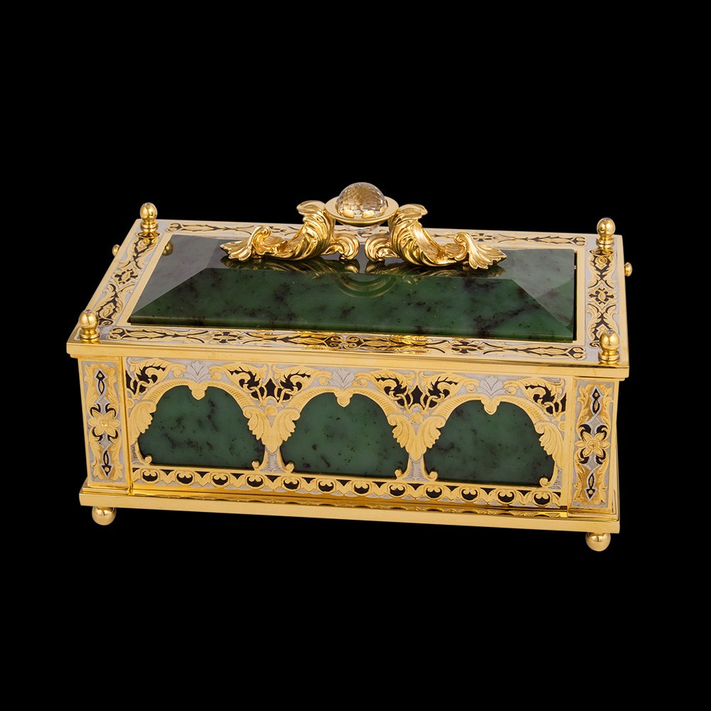 Handmade jade casket. The luxurious work of the Zlatoust masters