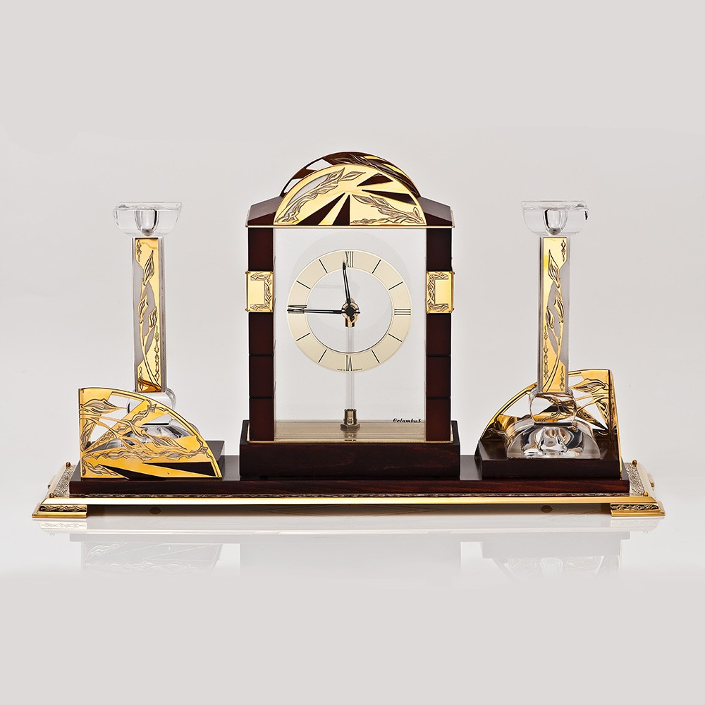 Luxurious gifts in Dubai. Office clock for the boss