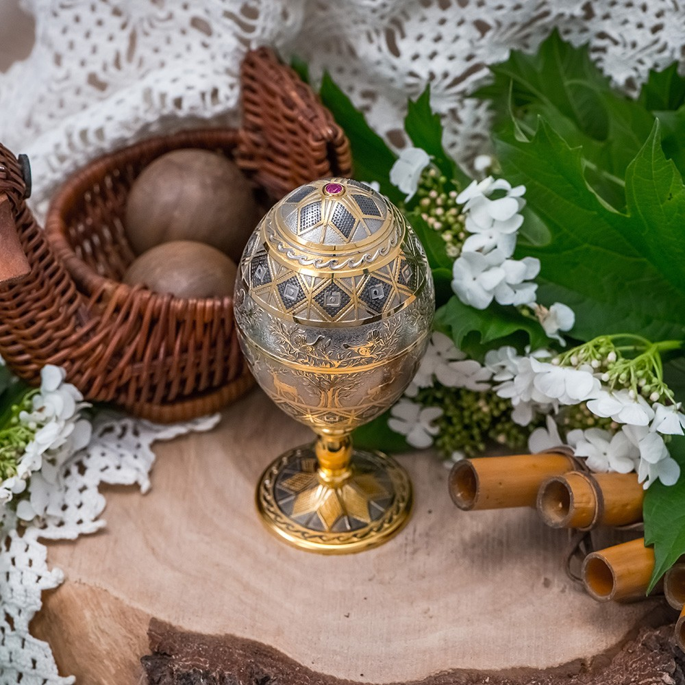 Gold-plated Easter egg with jewelry crystal