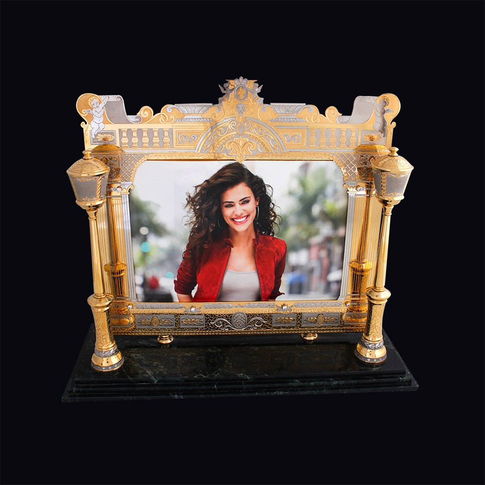 Photoframe - a work of art by Zlatoust masters