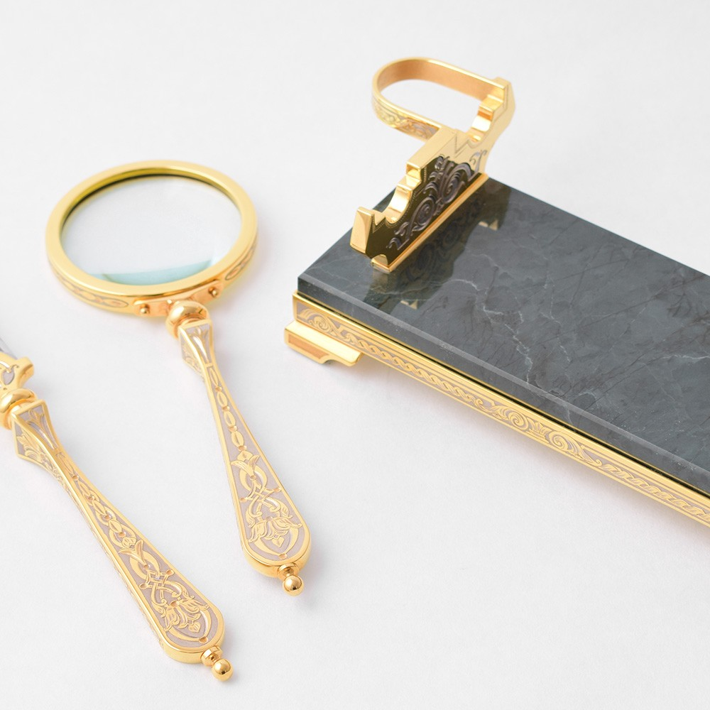 Golden Magnifier and Knife - Luxurious Office Sets