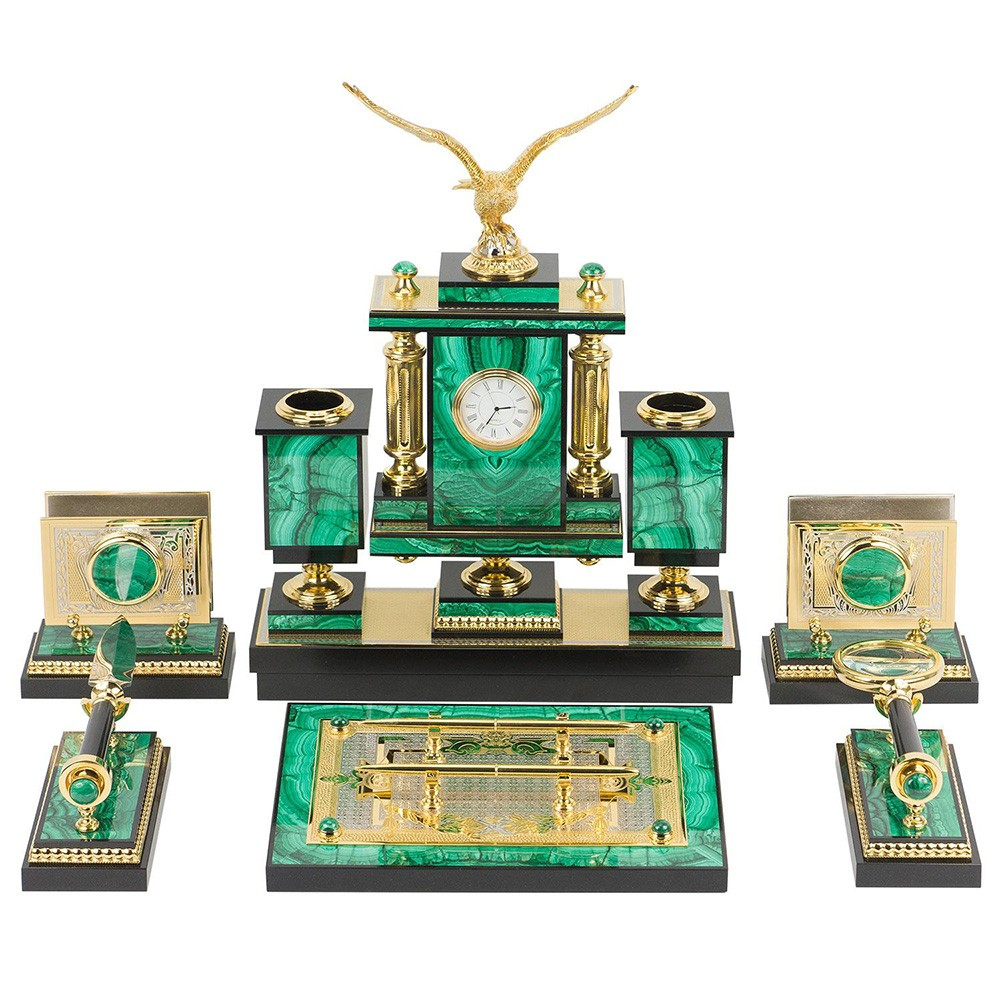 The malachite writing set for the office. Office set for the head