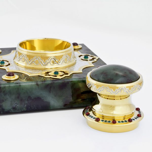 Golden stamp with jade hand made