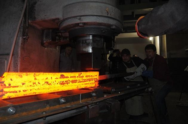 Making Damascus Steel For A Huge Sword