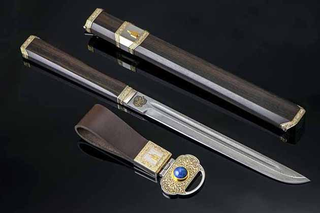 Mongolian knife presented to President Putin